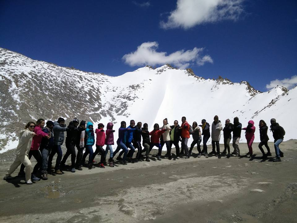 yoga, total yoga, yomaste, ladakh, yoga in india, incredible india, yoga himalayas, khardung la yoga, yoga in snow, snowga